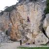 Теплые скалы Крыма, скалодромы, веревочные парки. Боулдеринг